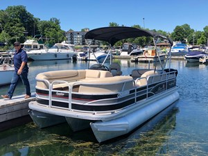 Suntracker 22XP3 Party Barge 2015