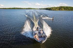 Crestliner 1850 Sportfish Outboard 2018