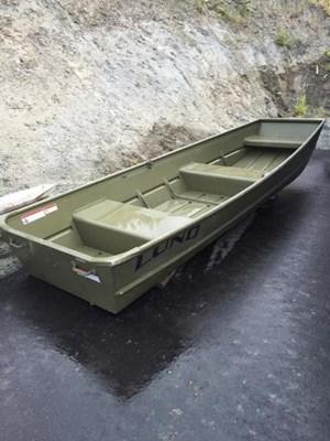 Lund Jon Boat 12' 2010
