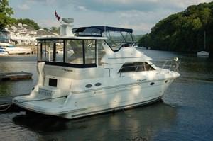 Cruisers Yachts 375 2005