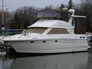 Cruisers Yachts 3650 ACMY 1996