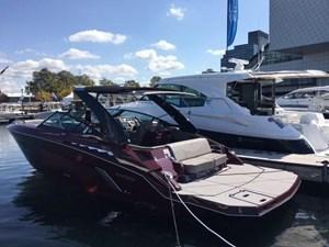 Cruisers Yachts 338 South Beach Edition - Bow Rider 2018