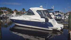 Cruisers Yachts 420 Express IPS Diesel 2006
