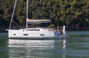 2021 Dufour Yachts Grand Large 390
