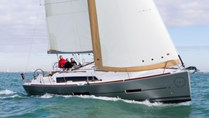 2021 Dufour Yachts Grand Large 382