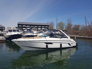 Cruisers Yachts 328 Bow Rider 2014 Used Boat for Sale in
