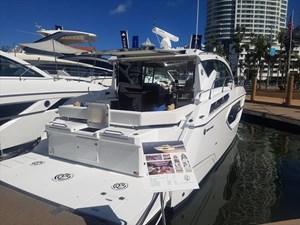 2019 Cruisers Yachts 42 Cantius Photo 1