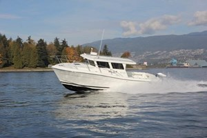 2014 Ocean Sport Roamer 33 by Lindell Photo 1