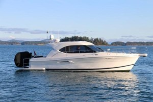 2007 Riviera 3600 Sport Yacht Photo 1