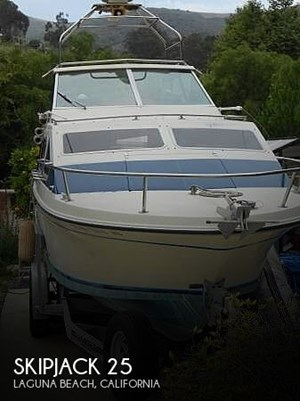 1983 Skipjack 25 Cabin Cruiser
