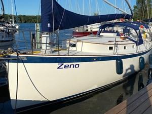 1980 Hinterhoeller Yachts Nonsuch 30