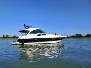 2015 Cruisers Yachts 43 SC