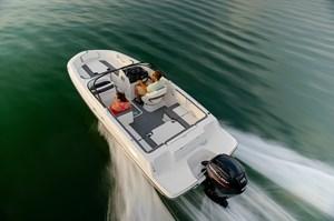 2021 Bayliner VR4 Bowrider - Outboard