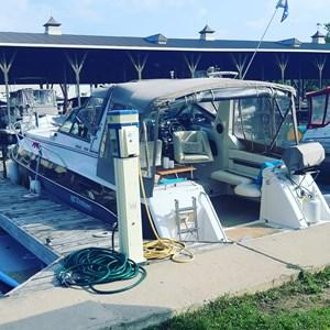 1989 Cruisers Yachts Rogue 3060