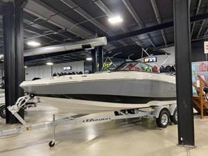 2021 NauticStar 223 DC OB