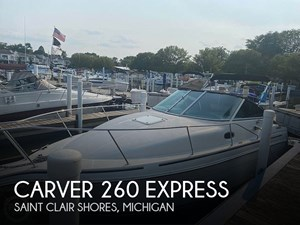 1998 Carver 260 Express