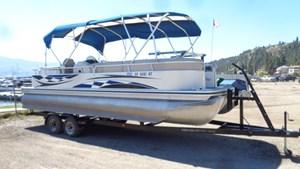 2009 Lowe LS 240