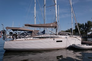 2016 Jeanneau Sun Odyssey 349