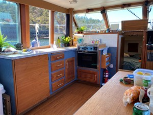1978 Tollycraft Tri cabin