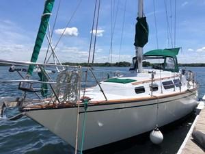 1984 S2 Yachts 11.0  Center Cockpit
