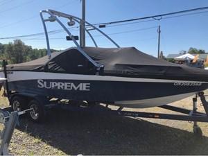 2011 Supreme Towboat V208