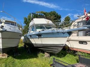 1989 Cruisers Yachts 2980 esprit