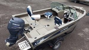 2005 Lowe FS165 Deep-V Fish & Ski Boat