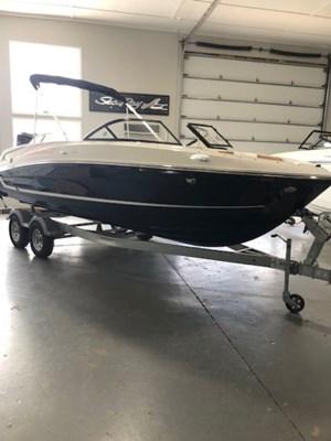 2022 Bayliner VR6 Bowrider - Outboard