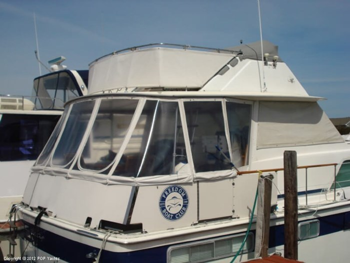 1975 Chris-Craft 45 Commander Photo 3 sur 20