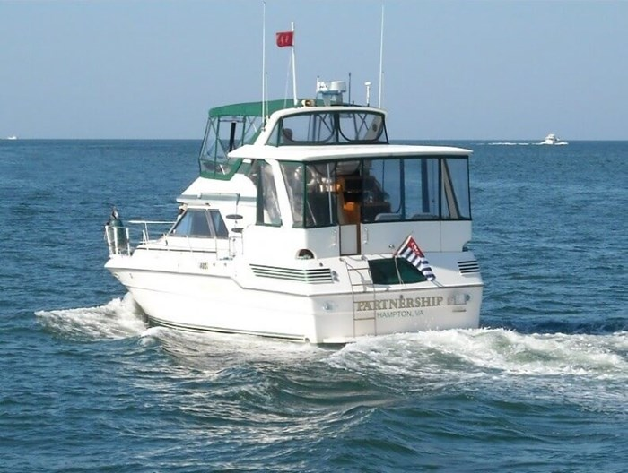 1987 Sea Ray 41 Aft Cabin Photo 2 sur 20