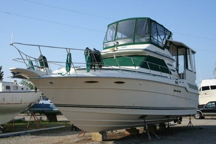 1987 Sea Ray 41 Aft Cabin Photo 3 sur 20