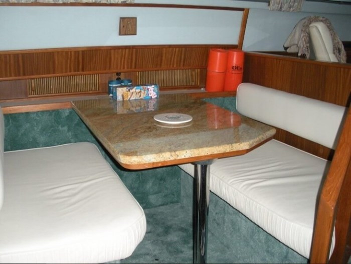 1987 Sea Ray 41 Aft Cabin Photo 6 sur 20
