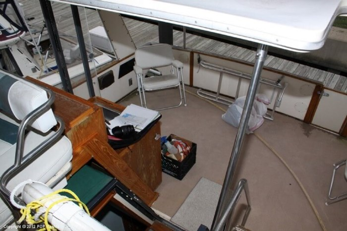 1987 Sea Ray 41 Aft Cabin Photo 13 sur 20