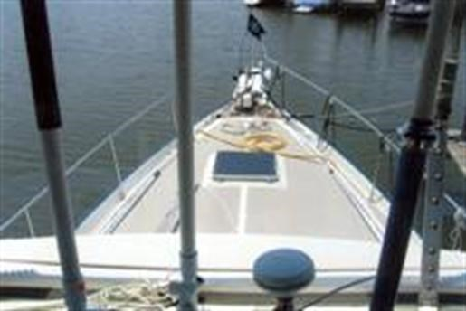 1985 Schucker Trawler /Sailboat hull Photo 2 of 10