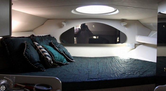 1998 Cruisers Yachts 3075 Rogue Photo 11 sur 20