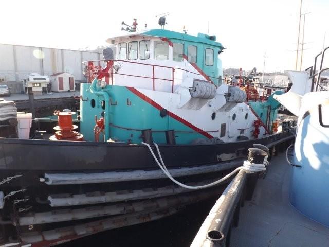 1974 Ex Navy Harbor Tug Ex Navy 2000 hp Harbor Tug Photo 3 sur 22
