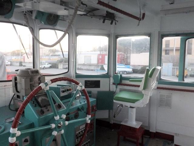 1974 Ex Navy Harbor Tug Ex Navy 2000 hp Harbor Tug Photo 15 sur 22
