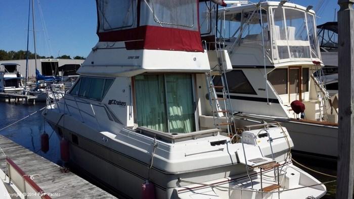 1989 Cruisers Yachts Esprit 3380 Photo 2 sur 20