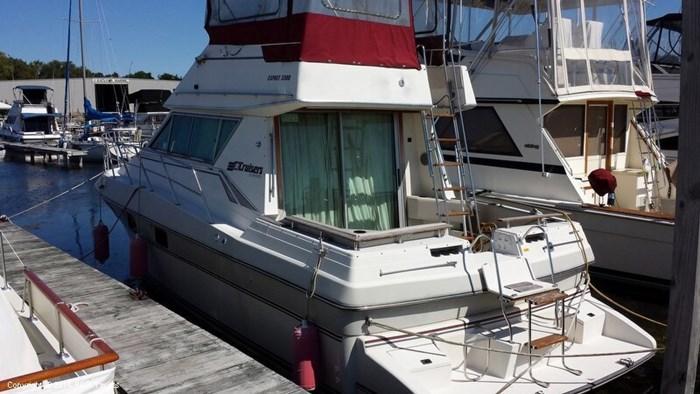1989 Cruisers Yachts Esprit 3380 Photo 3 sur 20