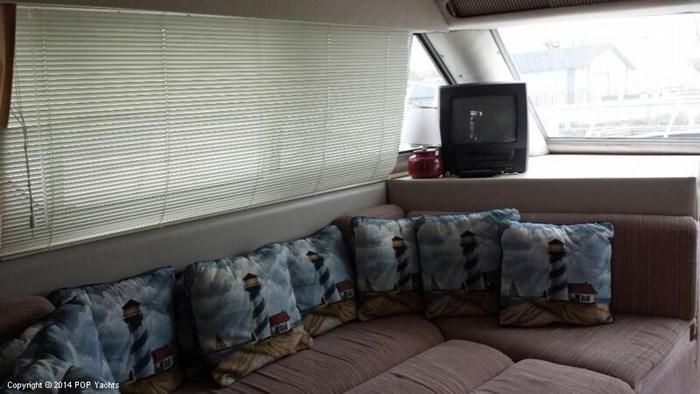1989 Cruisers Yachts Esprit 3380 Photo 12 sur 20