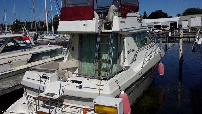 1989 Cruisers Yachts Esprit 3380 Photo 16 sur 20