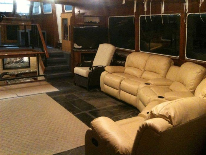 2013 Custom Boat Mfg Dovercraft Trawler Photo 14 of 15