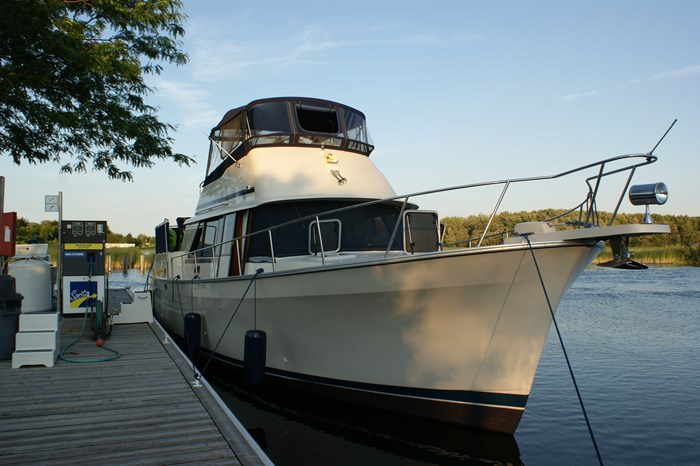 1988 MAINSHIP 40 DOUBLE CABIN Photo 1 of 19