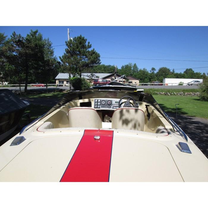 DONZI CLASSIC 2 PLUS 3 1988 Used Boat for Sale in Orillia, Ontario -  BoatDealers ca