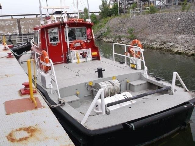 1987 Custom Built Twin Screw Aluminum Work/Tug/Pilot Boat Photo 5 of 10