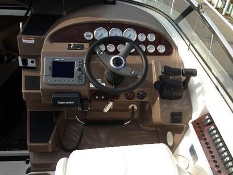 2006 Regal 3060 Commodore Photo 8 sur 29