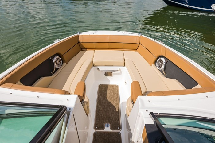 2015 Sea Ray 240 Sundeck Photo 22 sur 26