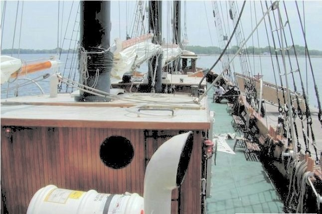 1982 Custom Built 203' Steel Tall Ship - FOR CHARTER Photo 3 sur 7