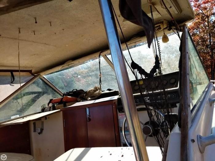 1981 Chris-Craft 280 Catalina Express Photo 11 of 20