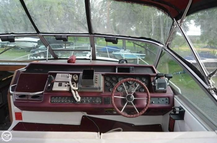 1990 Sea Ray 310 Sundancer Photo 3 of 20